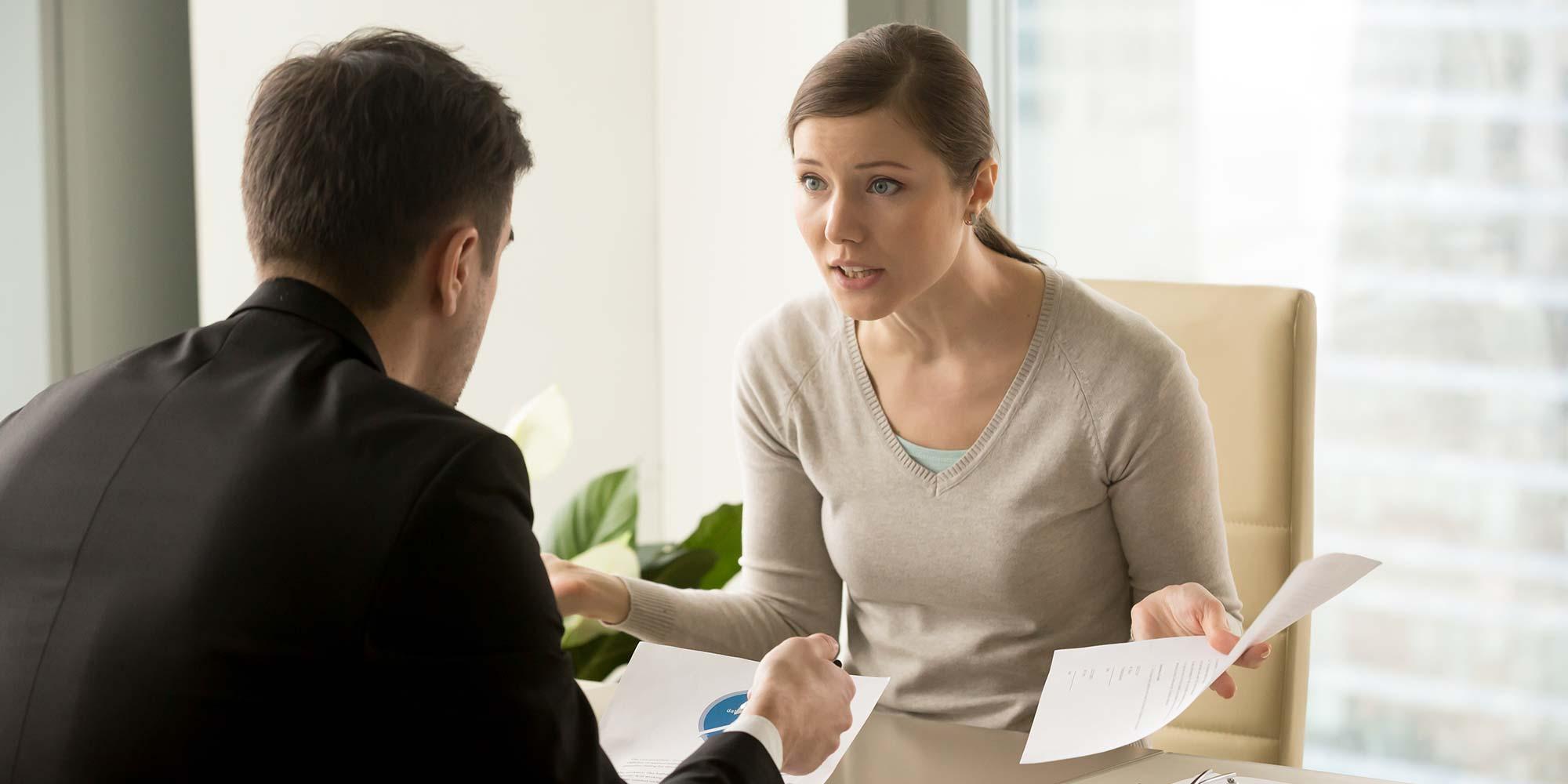 Como evitar problemas com clientes no escritório de advocacia?